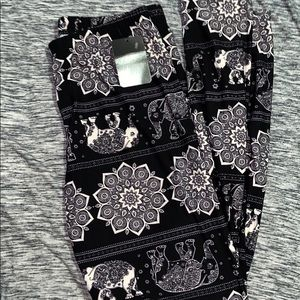 NWT ELEPHANT LEGGINGS
